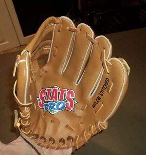 "Vintage Stats Pro 9"" Inch Baseball Glove for Sale in Garden City, NY"