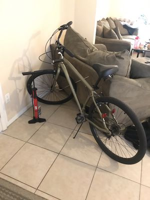 Bicycle, lock, & new air pump for Sale in Tallahassee, FL
