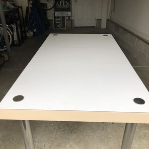 Contemporary White Dining Table for Sale in Gahanna, OH