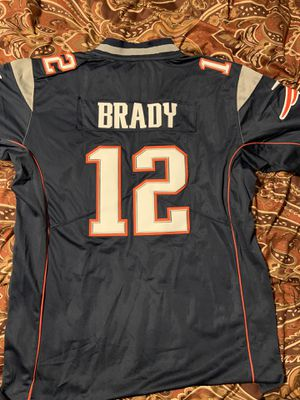 New L Tom Brady Patriots jersey (stitched) for Sale in Mansfield, TX