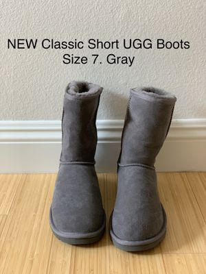 NEW Classic Short UGG Boots. Size 7. Gray for Sale in Los Angeles, CA