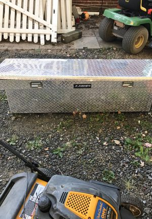 For caja de eramoentas por 120 for Sale in Silver Spring, MD