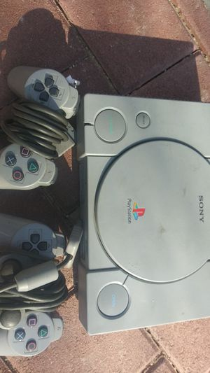 Ps1 consol and 2 controlls only for Sale in Perris, CA