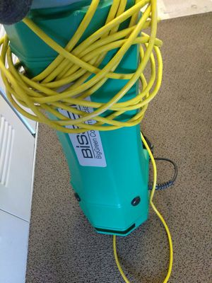 Bissell green back pack vac for Sale in Detroit, MI