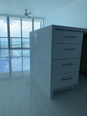 Custom Waterfall kitchen cabinet island for Sale in Miramar, FL