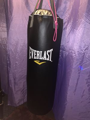 Everlast punching bag for Sale in Denver, CO