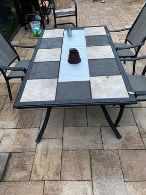 Outdoor Patio Table for Sale in Riverview, FL