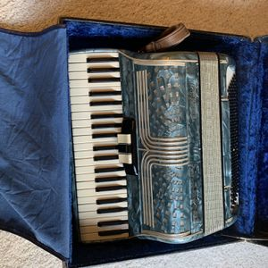 Accordian for Sale in Woodinville, WA
