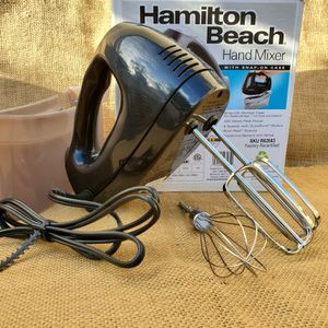 Hamilton Beach 6 speed hand blender with 3 attachments for Sale in Paramount, CA