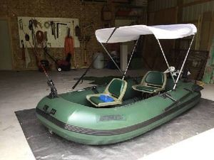 Inflatable boat with canopy, trolling motor and deep cycle marine battery for Sale in San Marcos, TX