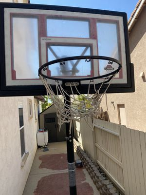 basketball hoop for Sale in Ceres, CA