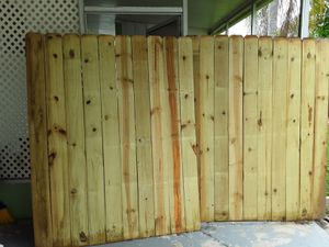 31 feet of fence for Sale in Clearwater, FL