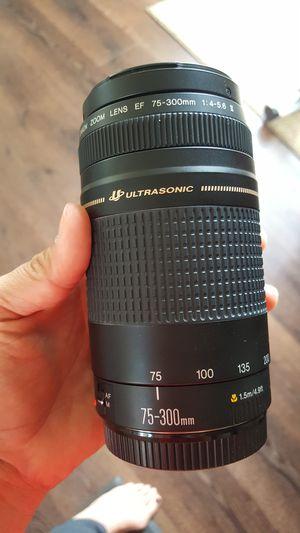 70-300 Canon lens for Sale in Encinitas, CA