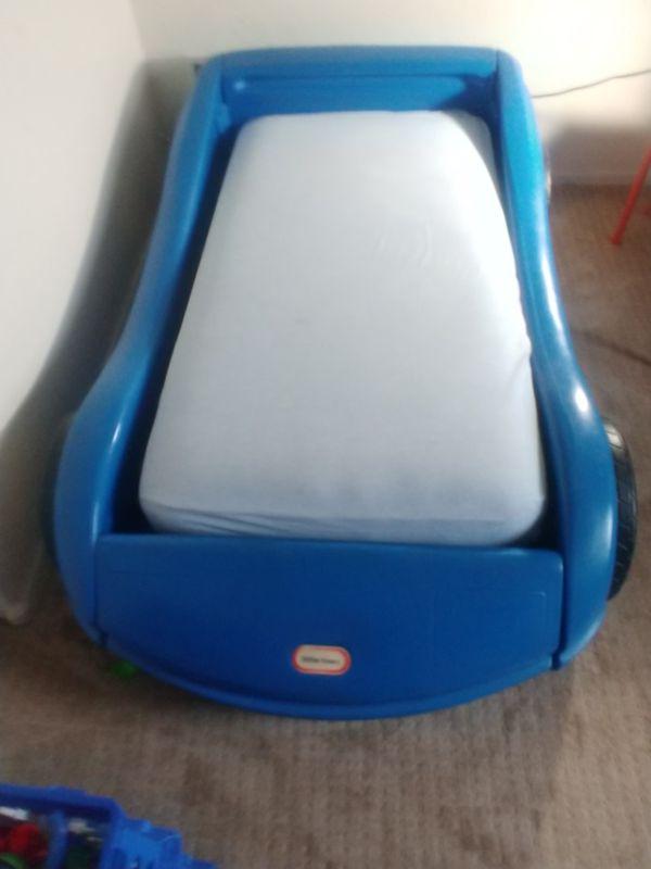 Cama de Carro para Niño...... Car bed.