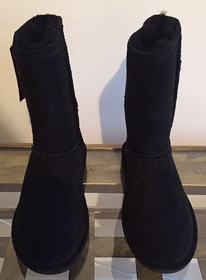 NEW Black Bearpaw Boots Size 5 for Sale in Crofton, MD