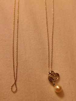 10k Gold Chain Necklace 2.5g for Sale in Everett,  WA