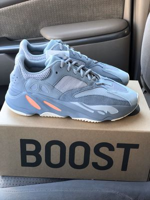 Adidas Yeezy 700 Inertia Size 10 for Sale in Chicago, IL