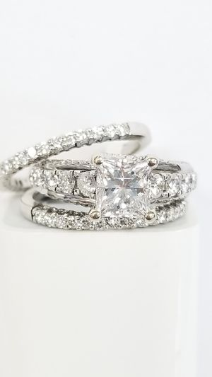 Beautiful Wedding Set for Sale in San Diego, CA