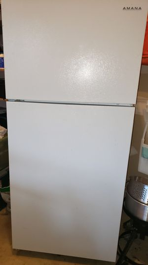 Amana Top Mount Refrigerator for Sale in Fort Washington, MD