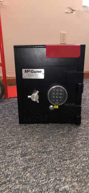 McGunn drop safe for Sale in Altamonte Springs, FL