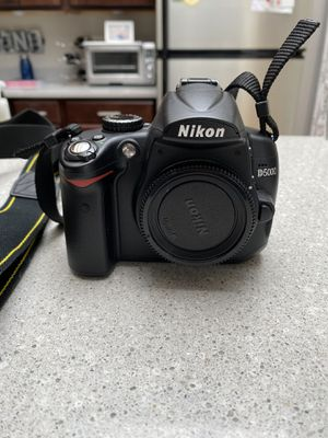 Nikon D5000 for Sale in Chicago, IL