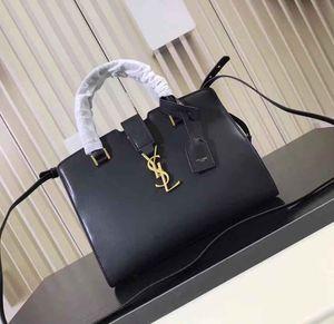 Cartera de Piel Leather Handbag for Sale in Miami, FL