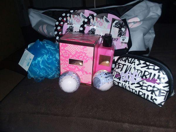 Victoria Secret v-day giftset