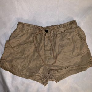 Tan linen shorts Women's size L Forever 21 for Sale in Tacoma, WA