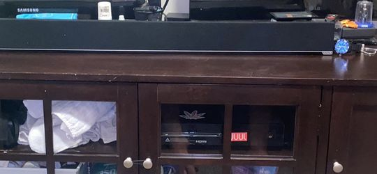 Large wood TV Stand for Sale in East Wenatchee,  WA