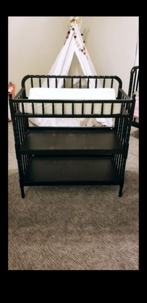 Jenny Lind changing table with mat for Sale in Bloomington, CA