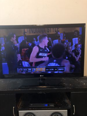 """LG 42"""" TV 1080P not smart for Sale in Tampa, FL"""