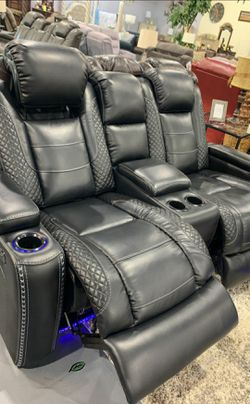 💦. BRAND NEW. 💦Party Time Midnight LED Power Reclining Loveseat with Adjustable Headrest IN STOCK for Sale in Beltsville,  MD