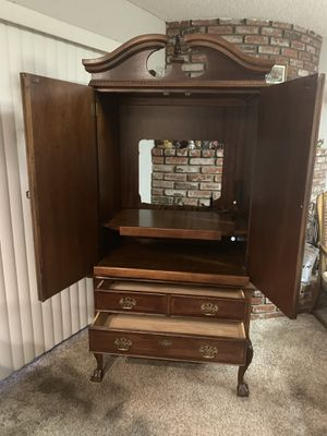 ANTIQUE ARMOIR REDUCED PRICE from $750 to $450 for Sale in Montebello, CA