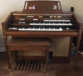 FREE Organ Piano for Sale in Nashville,  TN