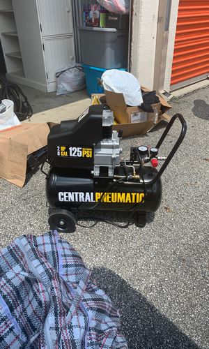 Brand new 2 hp 8 gallon 125 psi air compressor $200 or best offer for Sale in Columbus, OH