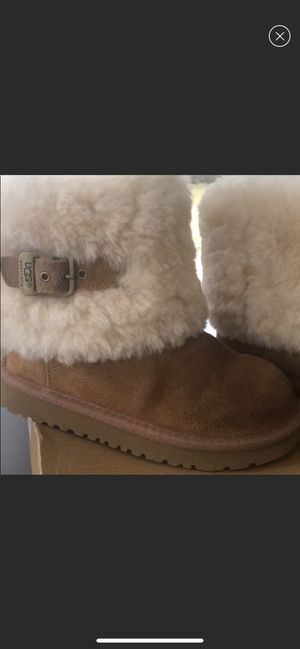 Used, Girls UGG Ellee Boots for sale  size 12 for Sale