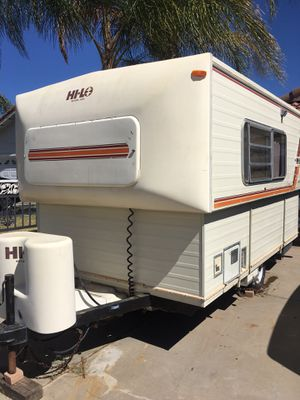 Hi-Lo travel trailer for Sale in Perris, CA