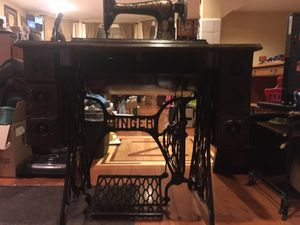 Antique singer sewing machine - works for Sale in Chicago, IL