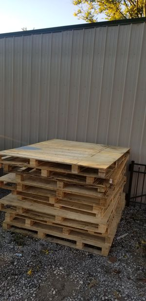 Shipping Pallets FREE for Sale in Murfreesboro, TN