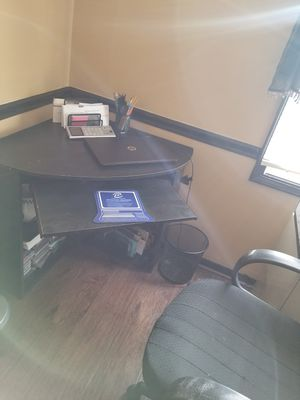 Desk and chair for Sale in Alexandria, VA