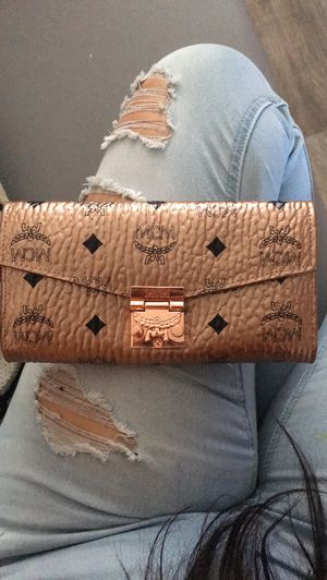 Mcm Patricia wallet for Sale in Tampa, FL