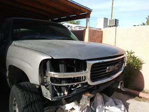 Gmc Sierra fenders gmc Yukon fenders (Auto parts) for Sale in Las Vegas, NV