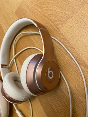 Rose Gold Beats solo 2 for Sale in San Francisco, CA