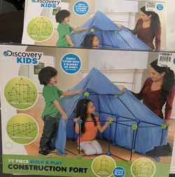 Discovery Kids 77 Piece Build & Play CONSTRUCTION FORT excellent Condition for Sale in Cedar Mill,  OR