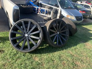 6 lugs 28 inches rims for Sale in Fort Worth, TX