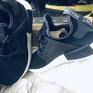 Adidas Nmd Size 8 Like New 40 $ for Sale in Menifee, CA