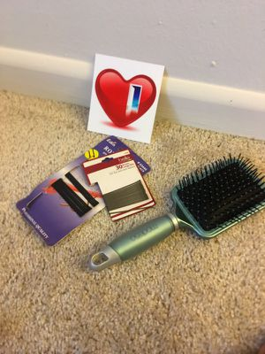 Wig brush and bobby pins. for Sale in Cleveland, OH