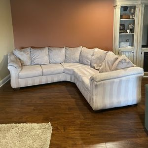 Sectional for Sale in Leesburg, VA