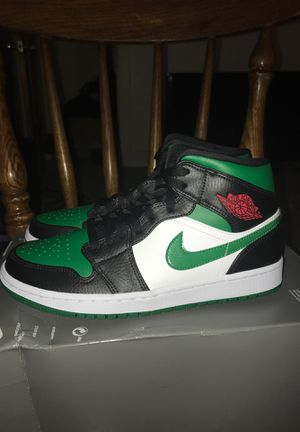 """AIR JORDAN 1 MID """"PINE GREEN"""" for Sale in Chicago, IL"""