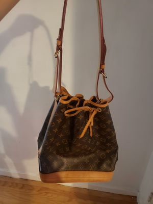Louis vuitton vintage noe bag for Sale in San Leandro, CA
